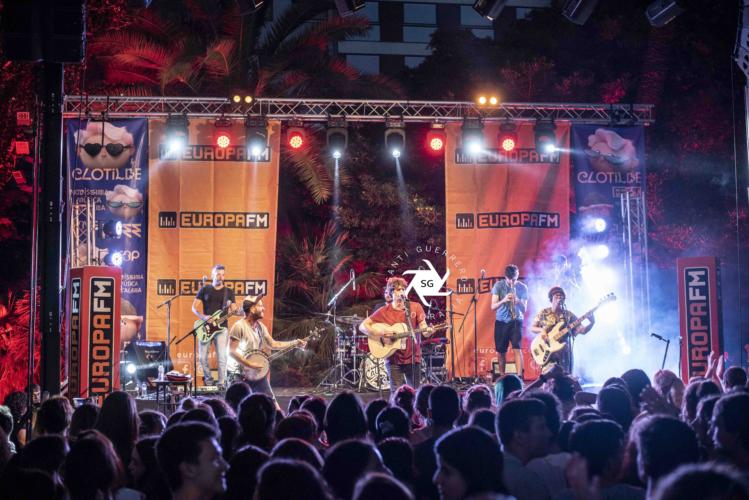 Els-Catarres-en-Clotilde-Fest-Europa-FM-Palau-Robert-27-6-19-16-749x500.jpg