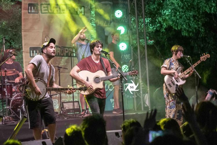 Els-Catarres-en-Clotilde-Fest-Europa-FM-Palau-Robert-27-6-19-22-750x500.jpg