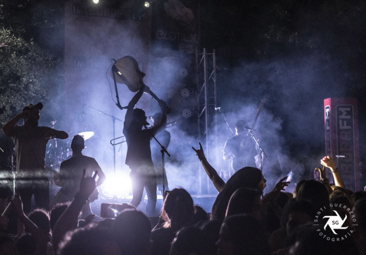 Els-Catarres-en-Clotilde-Fest-Europa-FM-Palau-Robert-27-6-19-28-719x500.jpg