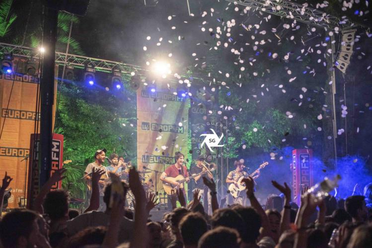 Els-Catarres-en-Clotilde-Fest-Europa-FM-Palau-Robert-27-6-19-30-749x500.jpg